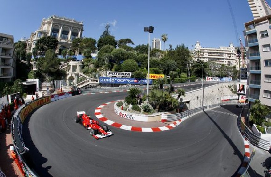 F.Alonso buvo greičiausias pirmojoje treniruotėję