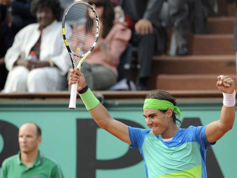 R.Nadalis iškopė į pusfinalį