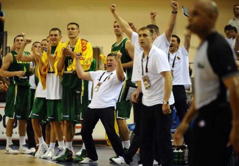 Lietuvos krepšinio rinktinė dvejas rungtynes iš eilės puikiai sužaidė ketvirtą kėlinį