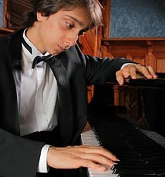 Didžiosiose scenose pianistas M.Kultyševas groja nuo 10-ies.