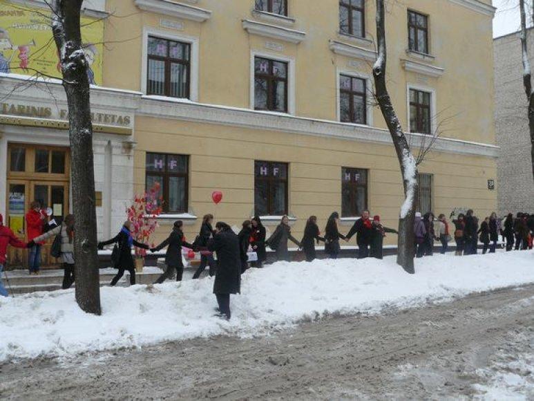 Šiaulių universiteto studentai mini Valentino dieną.