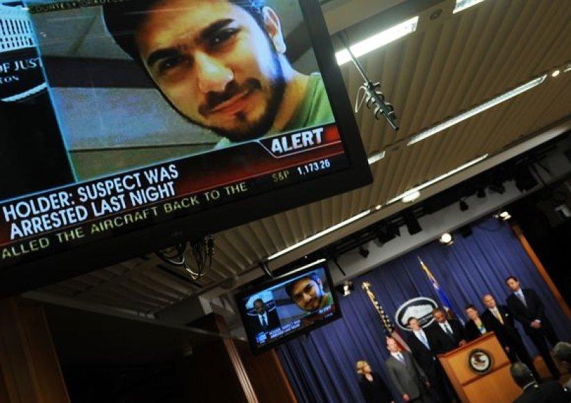 Iš Pakistano kilęs JAV pilietis prisipažino mėginęs susprogdinti savadarbį sprogstamąjį užtaisą judrioje Niujorko Taimso aikštėje.
