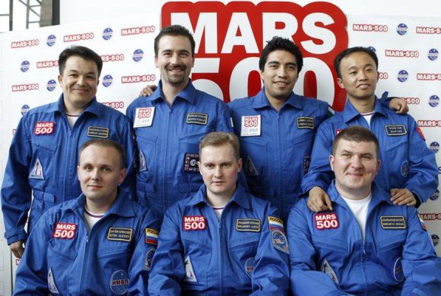 Maskvoje šeši savanoriai pradės skrydį į Marsą imituojantį 520 dienų trukmės eksperimentą.