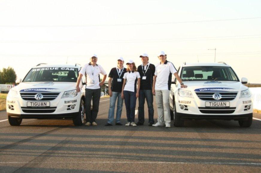 "Unikaliose lenktynėse dalyvavo du ""Volkswagen Tiguan"" automobiliai."