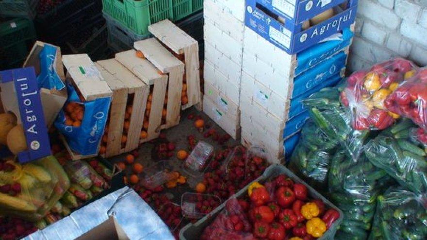 Išaiškintas šešėlinis vaisių ir daržovių tinklas.