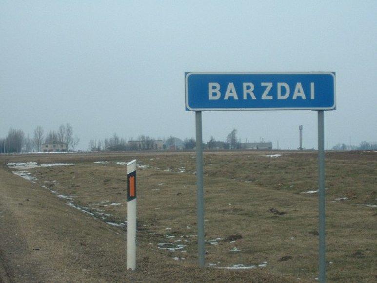 Kai kurie Barzdų kaimo gyventojai išties atsipūtę: išvykdami palieka spynose ir būsto, ir seifo raktus.