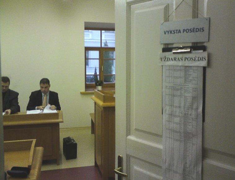 Byla dėl Lietuvos karių girtavimo Afganistane baigta nagrinėti slaptame teismo posėdyje.