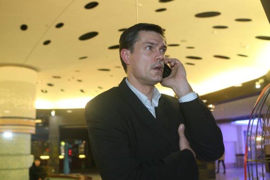 Krepšinio specialistas Linas Kvedaravičius telefonu tvarkė reikalus