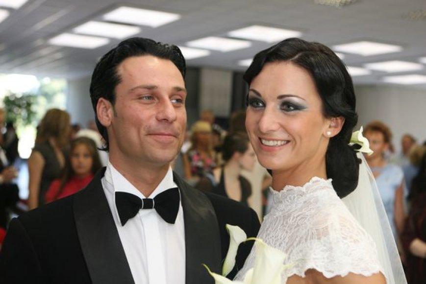 Retro stiliaus vestuves pora atšventė Vilniuje