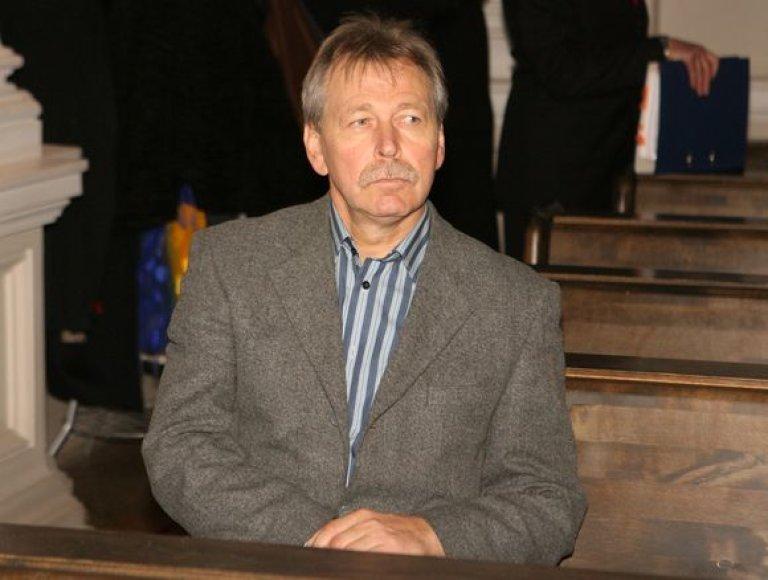 Vilniaus apygardos teismas 2009 lapkričio 23 dieną mėgino atversti vadinamąją korupcijos Trakų rajono savivaldybėje bylą, kurioje figūruoja ir žinomų politikų pavardės, ir nusikalstamo pasaulio įžymybės Narkušos pravardė.