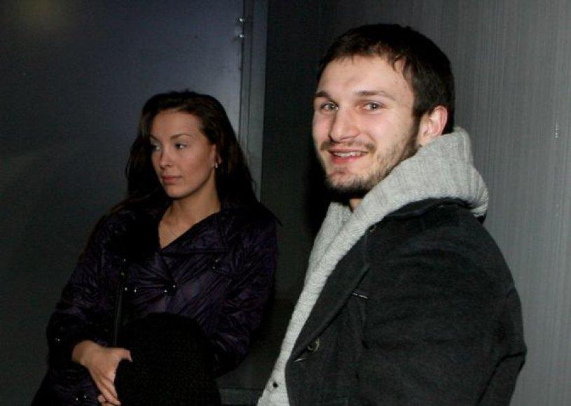 Vaidas Baumila su drauge