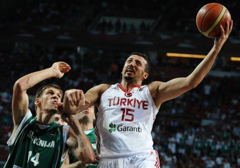 Turkijos ir Slovėnijos rinktinių dvikovos akimirkos