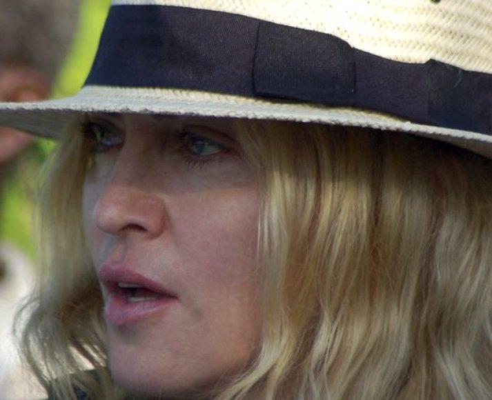 Madonna sunkiai išgyvena dėl jai nepalankaus teismo sprendimo.