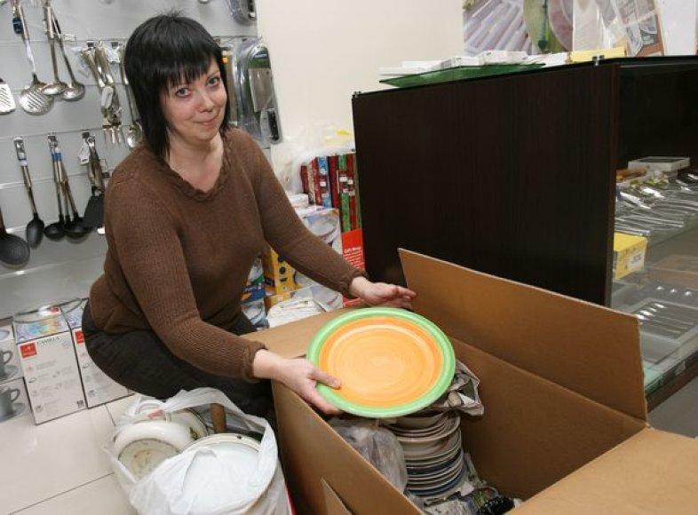 Per penkias akcijos dienas kauniečiai į parduotuvę atnešė daugiau kaip 7 dėžes naudotų indų.