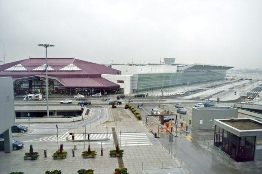 Sąmyšis kilo tarptautiniame Varšuvos oro uoste