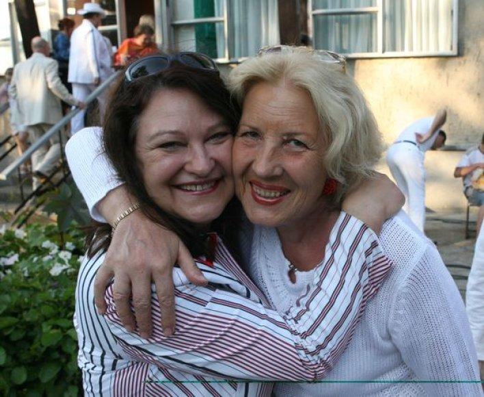 B.Petrikytė su D.Teišerskyte