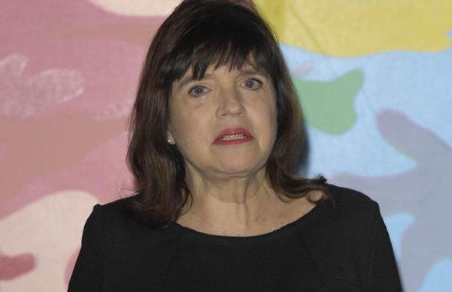 Barbara Follett