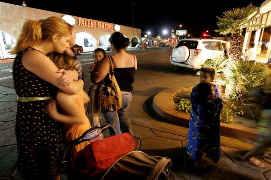 Vakarų Meksiką netoli sienos su JAV sukrėtė stiprus 7.2 balo stiprumo žemės drebėjimas.