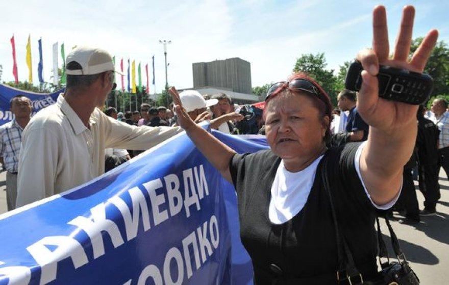 Protestuotojai Biškeke