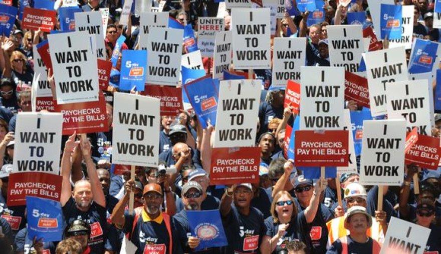 Darbo paieškos milijonams amerikiečių – bevaisės