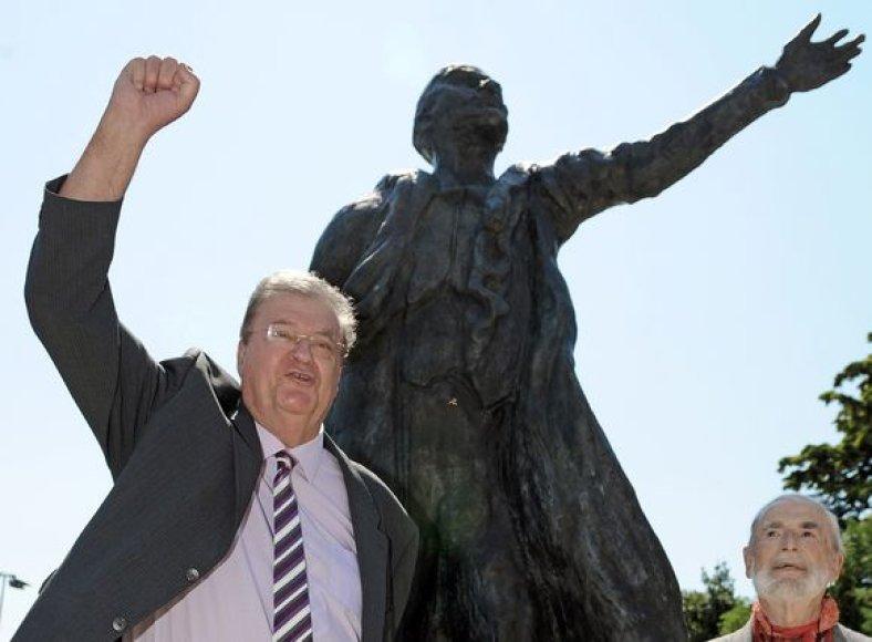 Lenino statula