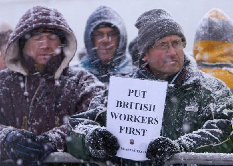 Prieš užsieničių invaziją į Didžiąją Britaniją protestuojantys britai