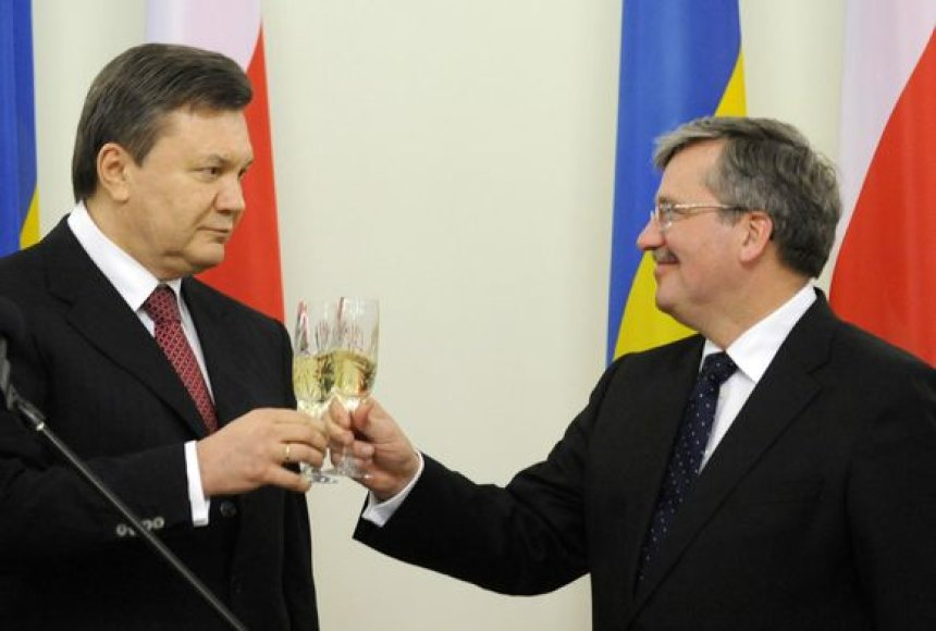 Bronislawas Komorowskis ir Viktoras Janukovyčius