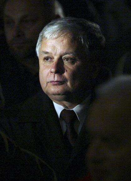Per aviakatastrofą žuvo Lenkijos prezidentas L.Kaczynskis ir dar mažiausiai 87 keleiviai.