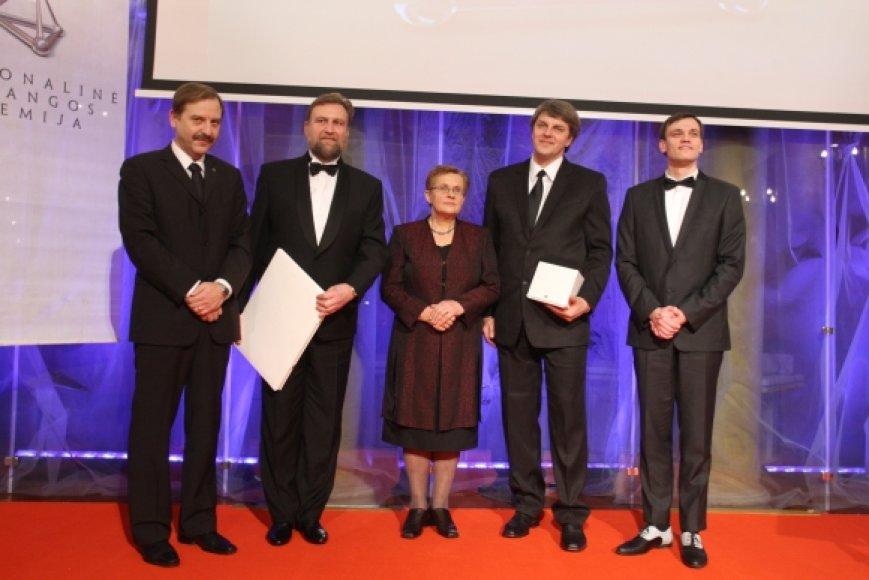 Nacionalinės pažangos premijos laureatai: A.Kuncevičius, R.Jankauskas, V.Daujotytė-Pakerienė, R.Laužikas ir T.Linkevičius