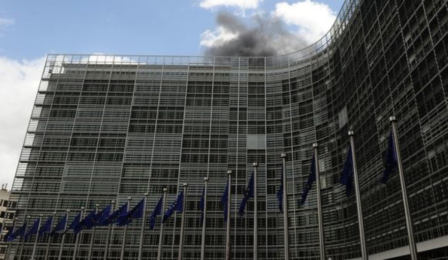 Europos Komisijos pastate kilo gaisras