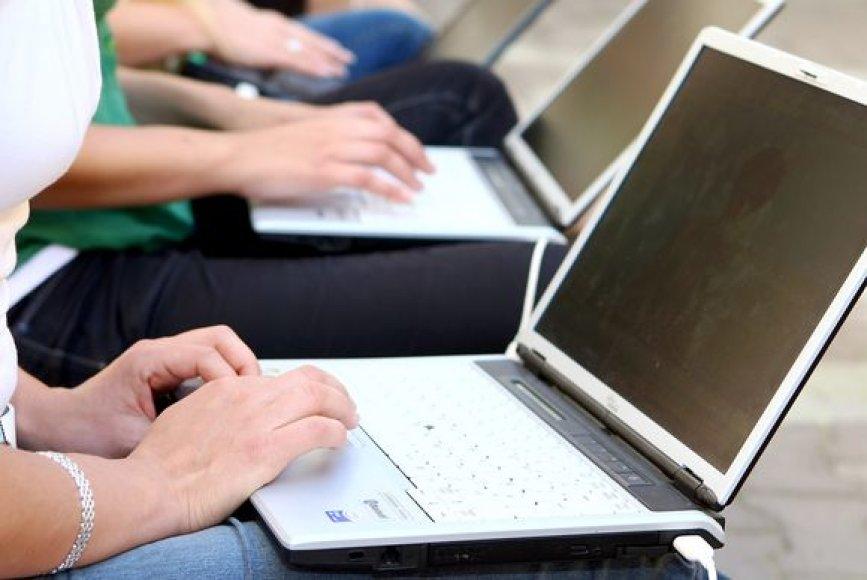 Socialiniai tinklai naudojami ne tik bendravimui ir savirašikai, bet ir įvaizdžio kūrimui