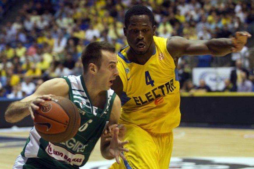Pirmąsias tarpusavio rungtynes 86:70 laimėjo Tel Avivo krepšininkai