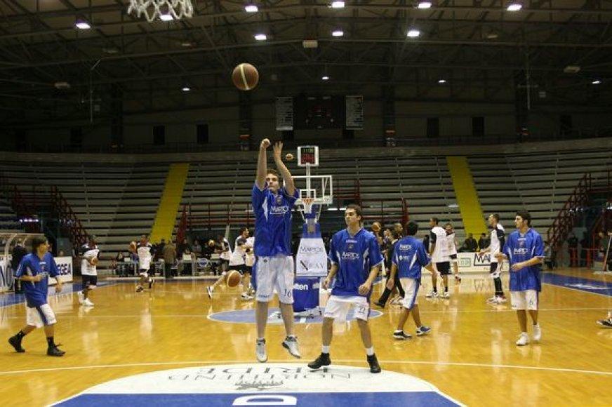"""Neapolio """"Martos"""" ekipoje didžiąją rungtynių dalį rungtyniavo vos 18-19 metų amžiaus krepšininkai"""