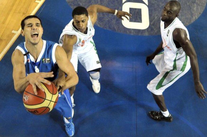 Graikai (kairėje) šventė triuškinamą pergalę