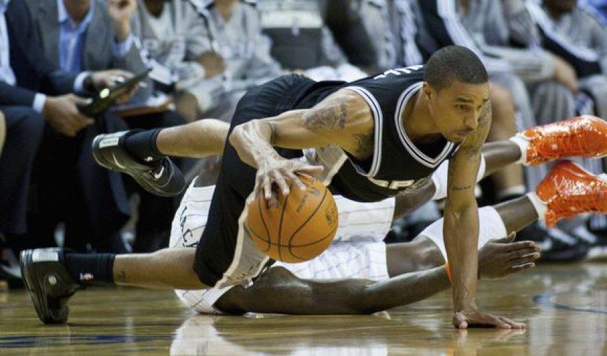 """""""Spurs"""" laimėjo 26-ą pergalę"""