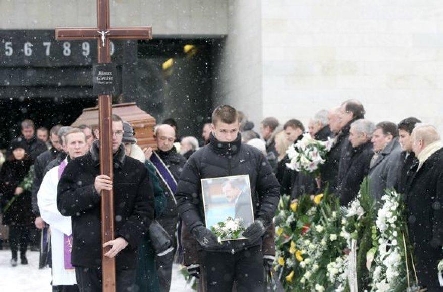 R.Girskio laidotuvės