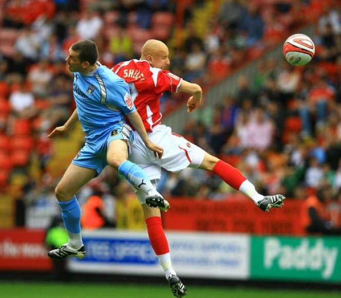 "J.Shelvey (dešinėje) sustiprins ""Liverpool"" gretas"