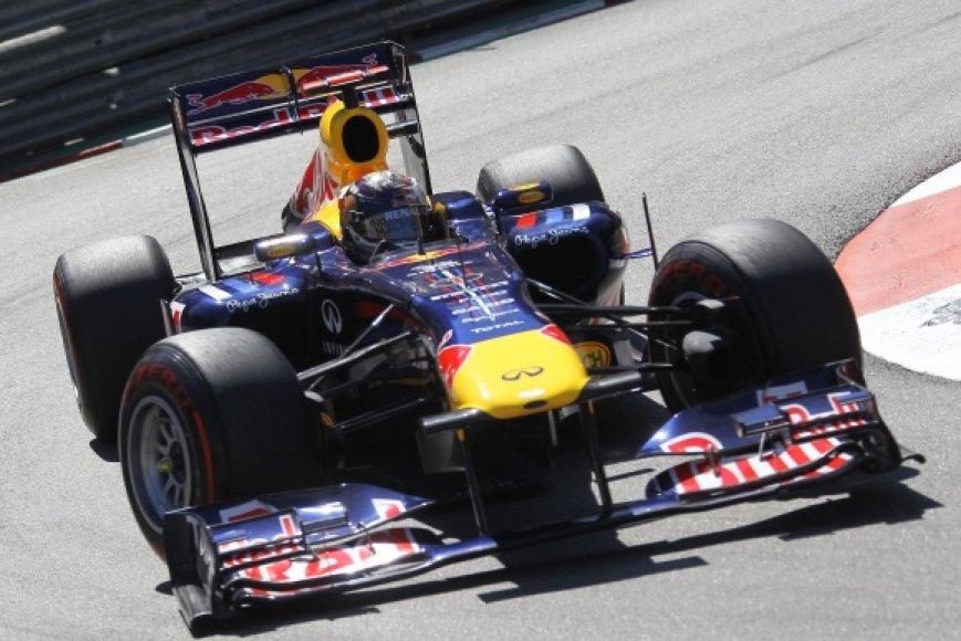 Sebastianas Vettelis laimėjo 5 iš 6-ių kvalifikacijų šiame sezone.
