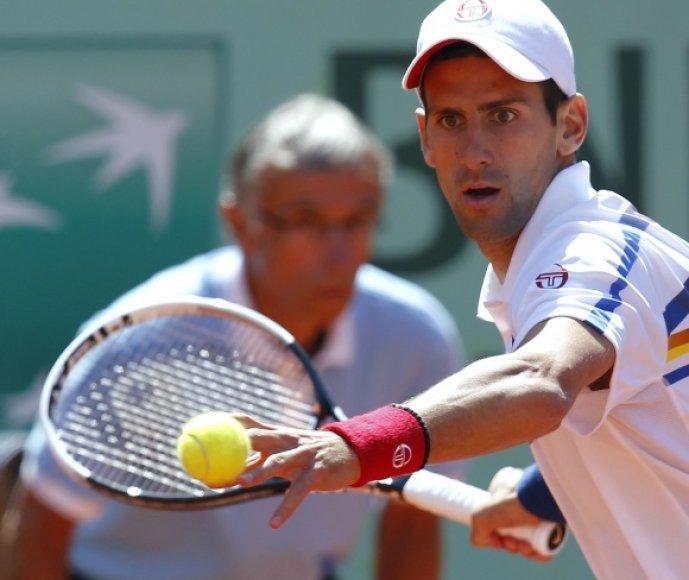 Novakas Džokovičius išlieka nepralaimėjęs šiame sezone.