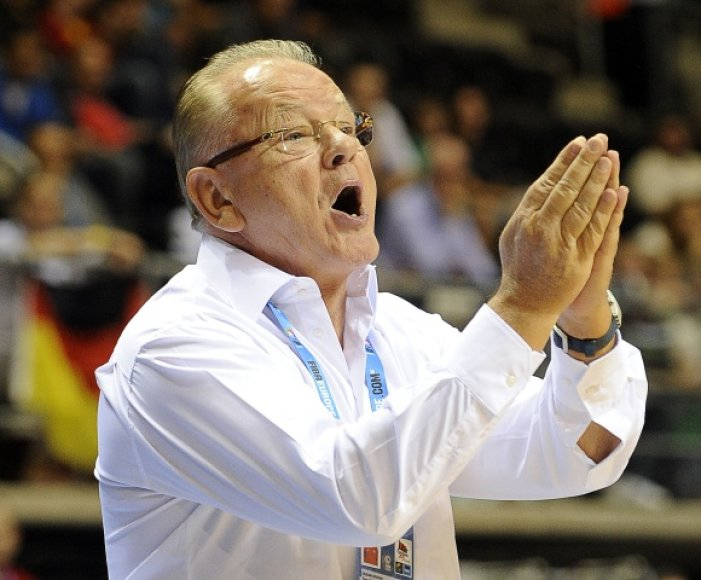Serbų treneris Dušanas Ivkovičius.