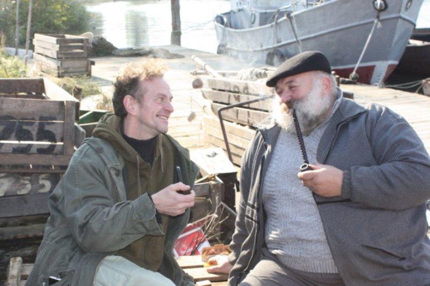 D.Ellisas su žveju Algiu