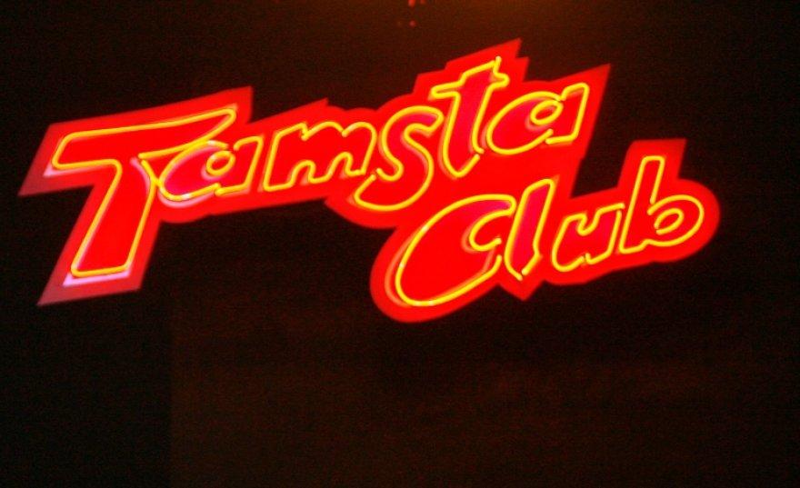 """Gyvos muzikos klubas """"Tamsta""""."""