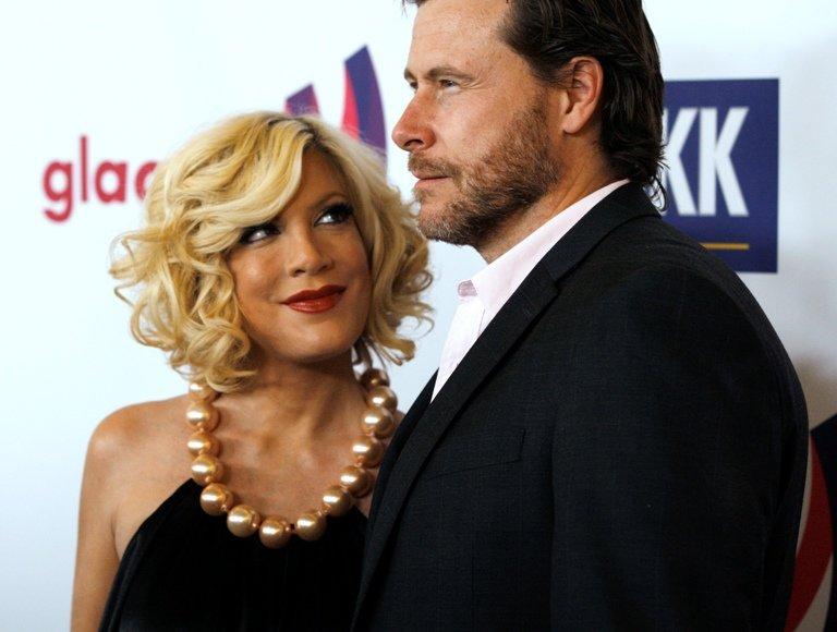 Tori Spelling su vyru Deanu McDermottu