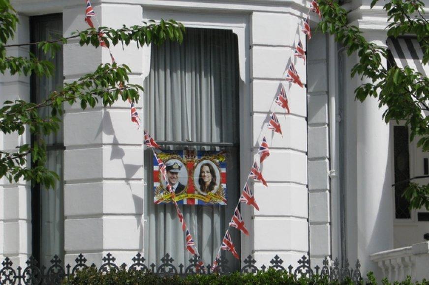 Tokiomis dekoracijomis namus puošti ryžosi retas londonietis.