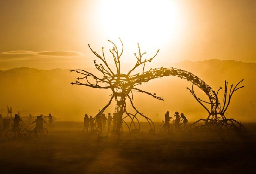 """2009-ųjų JAV, Nevados valstijoje, rengiamo festivalio """"Burning Man"""" akimirka"""