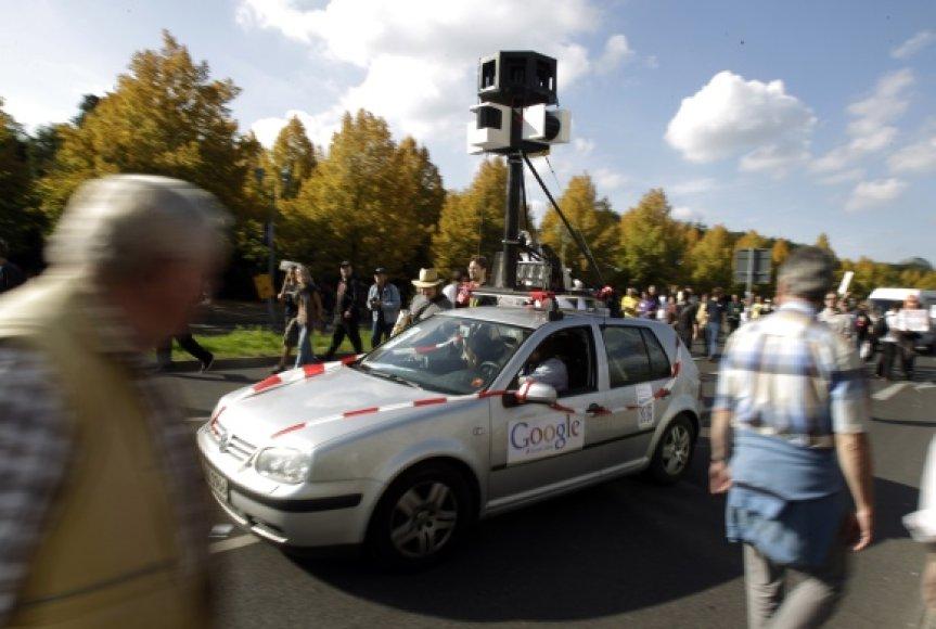"""""""Google Street View"""" automobilis."""