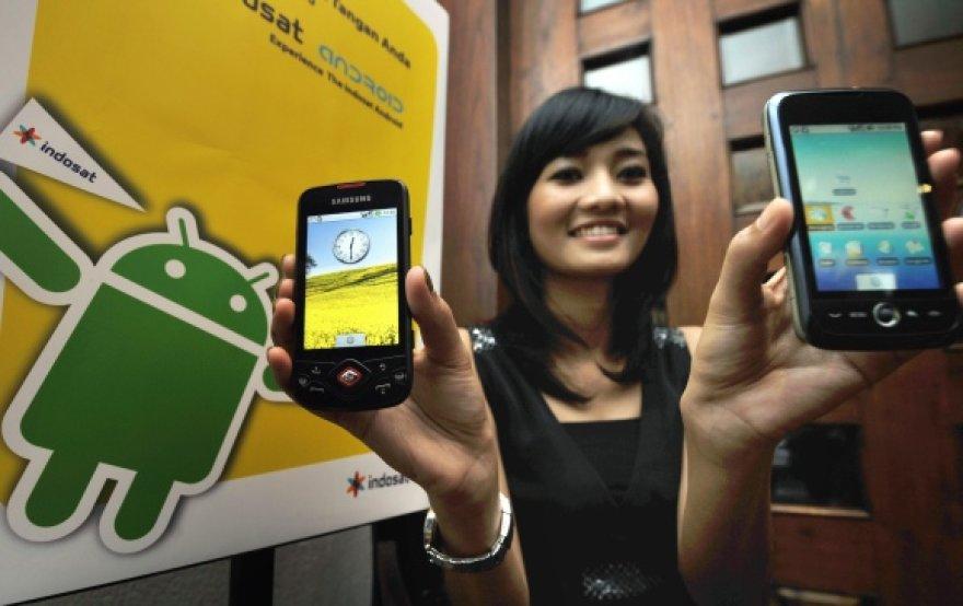 """Populiariausias lietuvių pasirinkimas – išmanieji telefonai, naudojantys """"Android"""" operacinę sistemą."""