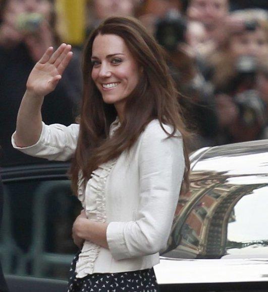 Kate Middleton svoris prieš karališkąsias vestuves buvo viešai aptarinėjamas ir spaudoje, ir televizijos laidose.