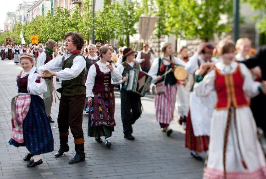 """Folkloro mėgėjams ir atlikėjams šventė – iki gegužės 29 dienos Vilniuje vyksta festivalis """"Skamba skamba kankliai""""."""