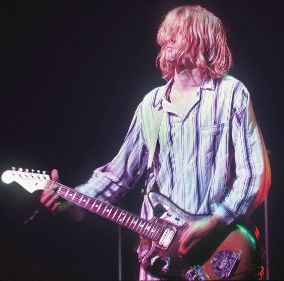Kurtas Cobainas 1992-aisiais Tokijuje.